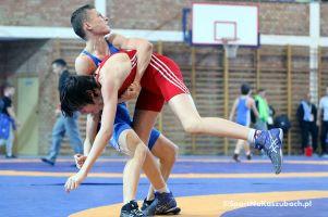 V Mistrzostwa Polski Młodzików w Zapasach w Stylu Klasycznym - zdjęcia z walk eliminacyjnych na matach w Żukowie