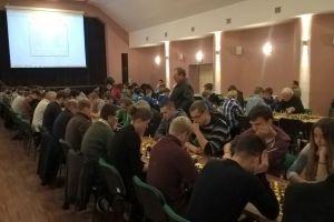 Paweł Teclaf najlepszy podczas szachowej nocy w Kartuzach