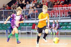 Kartuzy Futsal Cup 2016. Zdjęcia z meczów grupowych i finałowych głównego turnieju halowego w Kiełpinie