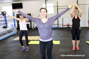 """Zarezerwuj sobotnie przedpołudnie na trening. KCSW i Natalia Dejk zapraszają na stretching oraz zajęcia """"Brzuch, uda i pośladki"""""""