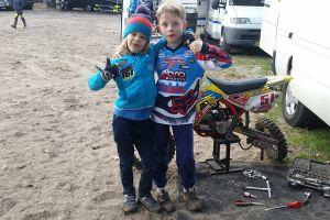 Powstaje klub motocrossowy KMX Kaszuby. Dawid Zaremba i Maksymilian Onasz zapraszają kolejnych młodych zawodników