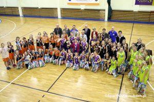 Dziewczęta z pięcu szkół zagrały w gwiazdkowym turnieju