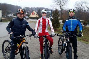 Miłośnicy kolarstwa z grupy MTB Start Kartuzy i sekcji Cartusii Kartuzy trenowali także w święta