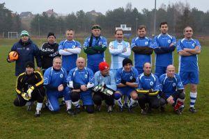 Noworoczny mecz piłki nożnej w Żukowie już po raz 25. Kibcuj lub zagraj w Reszcie Świata przeciwko żukowskim oldbojom