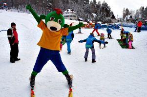 Puchar Rodziny Treflików 2017, czyli zawody dla najmłodszych narciarzy na zakończenie ferii na stoku Koszałkowo w Wieżycy