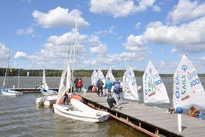 Otwarcie sezonu żeglarskiego 2016 w Kamienicy Królewskiej - regaty klas optimist i vaurien