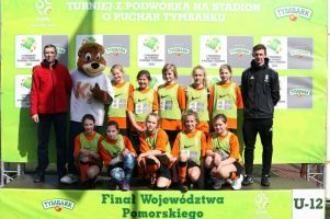 Dziewczęta z Kamienicy Szlacheckiej zagrały w finale Pucharu Tymbarku 2016