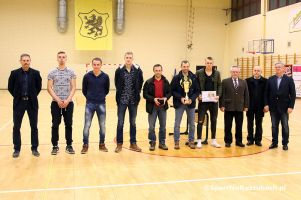 Sierpasz ponownie mistrzem Ligi Halowej im. Tadeusza Wesołki Sierakowice 2016/2017. Drugi We - Met, trzeci Rulis