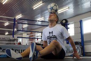 Adam Zaworski, zawodnik freestyle football z Mściszewic.Zobaczcie, co potrafi zrobić z piłką specjalista od piłkarskich tricków