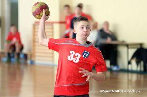 Juniorzy młodsi Cartusii wygrali siódmy mecz w sezonie, chłopcy z BAT-u w sobotę rozegrają II turniej finałowy