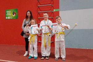 Zawodnicy GKS-u Żukowo na podiach Turnieju Judo Dzieci Gryfek w Słupsku oraz Mistrzostw Gdyni w Judo Dzieci