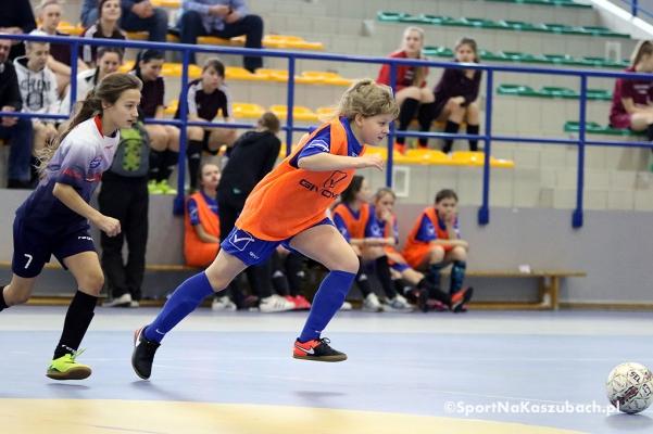 halowa_liga_kobiet_zukowo_03.jpg