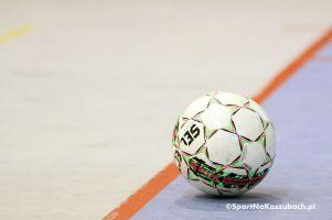 Rusza II Polska Liga Futsalu. W niedzielę mecz Budmax - Bojano, w poniedziałek FC Kartuzy - Jaguar Kokoszki z cheerleaderkami [kadry drużyn]