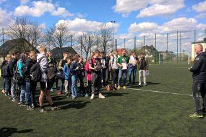 Gimnazjaliści z gminy Sierakowice zagrali na orliku w turnieju szóstek. Zwyciężyła Szopa