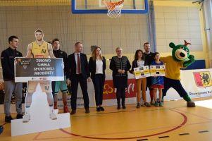 Szkolny Basket w Baninie. Mali sportowcy z pięciu szkół gminy Żukowo trenowali z