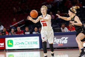 Ania Makurat w najlepszej piątce sezonu zasadniczego grupy A I ligi, Ola Makurat wśród najlepszych debiutantek swojej konferencji NCAA