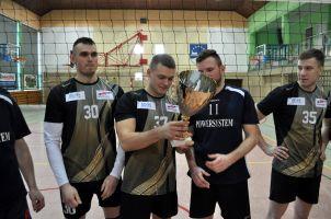 Zakończenie Kartuskiej Amatorskiej Ligi Piłki Siatkowej. Powersyetem Kartuzy podwójnym zwycięzcą sezonu 2016/2017