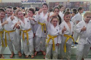 Judocy z Żukowa na turnieju Copernicus Judo Cup 2017. Zdobyli siedem medali, w tym złote Oliwii Pieczykolan, Szymona Grothy i Artura Cybuli