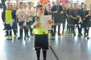 Turniej Piłki Nożnej Halowej Kielpino Cup. Zawody rocznika 2010 na zakończenie juniorskich zmagań w Kiełpinie i Somoninie