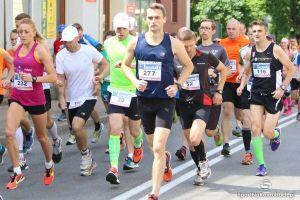 Dziś Kartuskie Biegi Uliczne i Kartuska 10. Będą setki biegaczy, akcje charytatywne i utrudnienia w ruchu