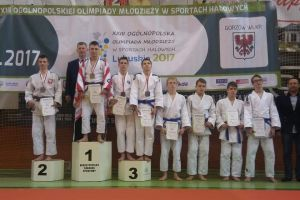 Jakub Biedrzycki z Niestępowa mistrzem Polski juniorów młodszych w judo. Mateusz Dampc z Borkowa tuż za podium