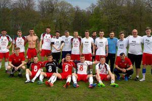 Leśnik Manowo - KS Chwaszczyno 1:2 (1:1). Gol Mosiejki dał trzy punkty i awans w tabeli