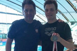 Jakub Skierka zdobył dwa medale Mistrzostw Polski w Pływaniu 2017. Zakwalifikował się też na mistrzostwa świata
