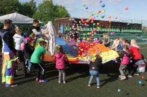 Dzień Dziecka na sportowo w Przodkowie. Na orliku i na boisku atrakcje czekały przez cały dzień
