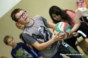 Dzień Dziecka dniem sportu w Szkole Podstawowej w Borkowie. Aktywna zabawa zamiast nauki