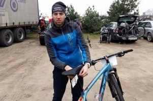 Paweł Brylowski szybko wraca do zdrowia. Koledzy odwiedzą go w Kościerzynie, oczywiście na rowerach