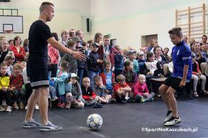 Festyn Rodzinny w SP nr 1 w Kartuzach pełen sportowych atrakcji. Freestyle, mecz dzieci z dorosłymi, konkursy i zabawy