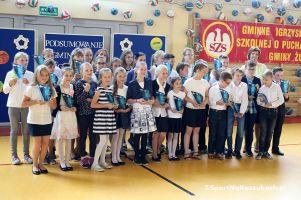 Gminne Podsumowanie Szkolnego Roku Sportowego w Baninie. Dyrektorzy, nauczyciele i uczniowie odebrali nagrody