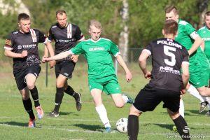 GKS Kowale - Amator Kiełpino 1:2 (1:0). Gol w 91 minucie dał zwycięstwo w kolejnym meczu o życie