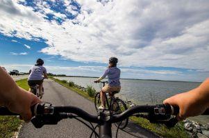 Jazda na rowerze w upale. Eksperci podpowiadają, jak radzić sobie z wysokimi temperaturami na dwóch kółkach [Kaszuby na Rowerze]