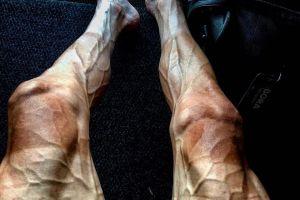 Zdjęcie Pawła Poljańskiego robi furorę w internecie. Tak wyglądają nogi kolarza po 16 etapach Tour de France