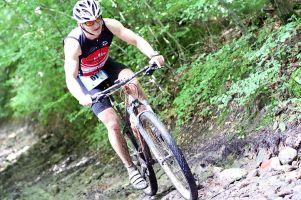 Triathlon MTB Kartuzy i Duathlon Kartuzy - zdjęcia z jazdy na rowerze i strefy zmian na Złotej Górze