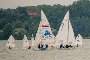 III Żeglarski Puchar Kaszub o Puchar Jeziora Raduńskiego w Stężycy. Popłynęło 36 załóg w czterech klasach
