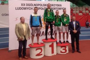 Dwóch zawodników sekcji zapaśniczej Cartusii Kartuzy na podium XX Ogólnopolskich Igrzysk LZS w Spale