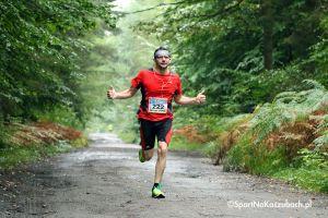 I Półmaraton Kamiennych Weselników. Prawie 200 osób pokonało 21 km w Somoninie, wygrał Robert Sadowski