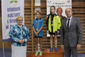 mlodzi-i-starsi-zawodnicy-zagrali-w-festiwalu-tenisa-stolowego