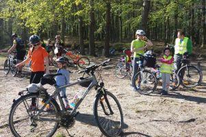 Rowerowo - aktywnie i zdrowo w gminie Żukowo. Jesienna wycieczka nad jezioro w Sulminie