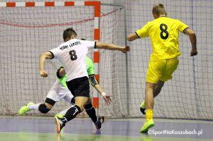 FC Kartuzy - Futsal Leszno dziś w Kiełpinie. Gospodarze powalczą o pierwsze zwycięstwo z byłymi reprezentantami Polski