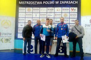 Sebastian Bir i Jędrzej Wiśniewski z Cartusii Kartuzy na podium Młodzieżowych Mistrzostw Polski w Zapasach 2017