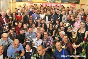 Gala Kaszuby Biegają 2017. Wręczenie mnóstwa nagród i wyróżnień zakończyło piątą edycję biegowego cyklu