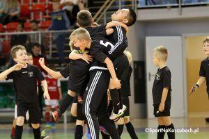 Futsal Cup 2017/2018. Zawody rocznika 2010 rozpoczęły cykl turniejów halowych w Kiełpinie