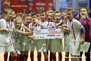 Kartuzy Futsal Cup 2017 - film z finałów i dekoracji halowego turnieju juniorów w Kiełpinie