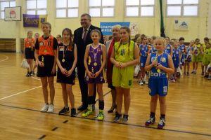 X Gwiazdkowy Turniej Koszykówki o Puchar Burmistrza Kartuz. Dziewczęta z pięciu szkół zagrały w ZSO nr 2