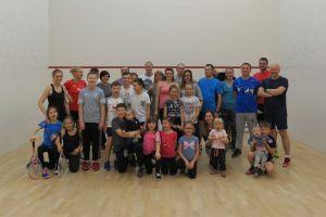 Familiada w Studio S7 w Baninie. Cale rodziny grały w squasha, badmintona i tenisa stołowego