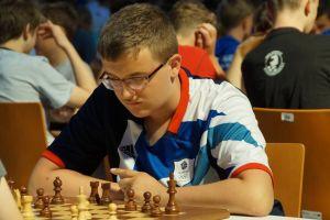 Paweł Teclaf wygrywał i remisował z szachowymi arcymistrzami podczas turnieju w Legnicy