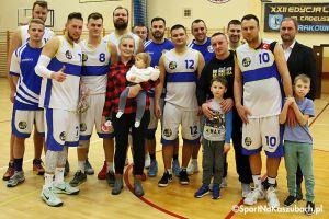 KS Bat Sierakowice - Basket Kwidzyn. Rekordowa frekwencja, zbiórka dla małej Amelki i zwycięstwo gospodarzy
